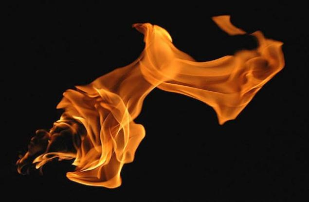 play-fire-danger-burn